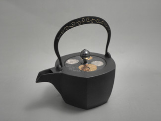 Hexagon Kotetsubin - Karakusa & Flower - 500ml/cc - Small Iron Teapot Kettle