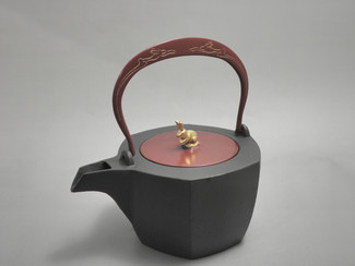 Hexagon Kotetsubin - Rabit - 350ml/cc - Small Iron Teapot Kettle