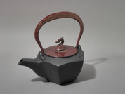 Gourd type Kotetsubin - Red Dragon & Thunder - 160ml/cc - Small Iron Teapot Kettle