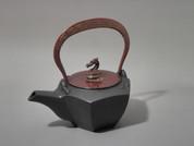 Gourd type Kotetsubin - Red Dragon & Thunder - 160ml/cc - Small Iron Teapot Kettle