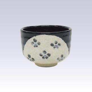 Tokoname-yaki - Mini matcha bowl - Ume Plum black glaze
