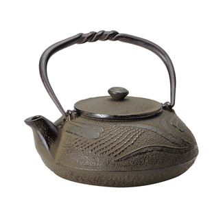 Nanbu Tetsubin - Tonbo (Dragonfly) 0.4 Liter - Japanese cast iron teapot