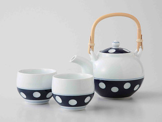 [Value] Hasami Porcelain : Kyusu tea pot & 2 Yunomi tea cups Set (POLKA) w Box