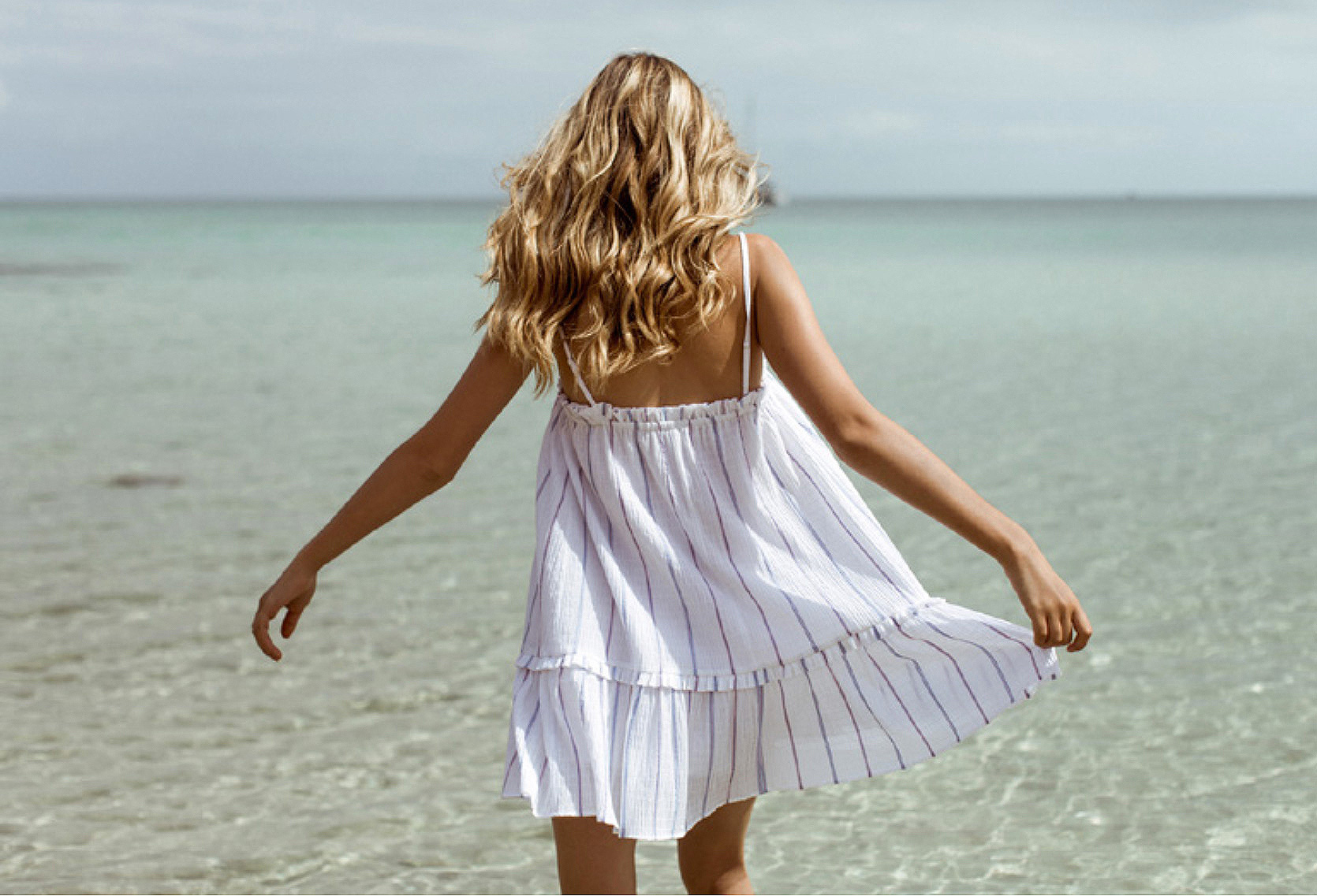 dress-from-behind.jpg