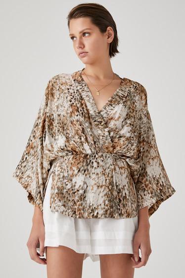 Kavala Kimono, Plume
