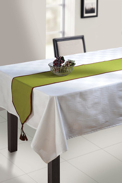 In-Sattva Home 100% Cotton Solid Table Runner and Dresser Scarves with Fringe for Family, Get-Togethers and Everyday Use Green