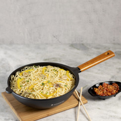 Wonderchef Die Cast Non-Stick Aluminum Wooden Handle Indian Chinese Cuisine Stir Fry Wok, 28cm, Black