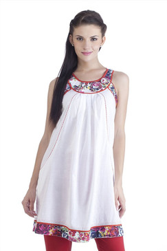 MB Womens Ethnic Tunic with Printed Neck & Hemline