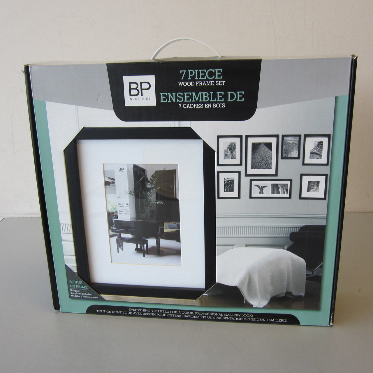 New Open Box Set 7 Black Wood Picture Frames Whanging Templates