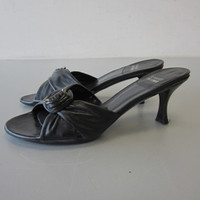 Stuart Weitzman Black Leather Slide Open-Toe Sandal Knotted w/Gold Metal 8M