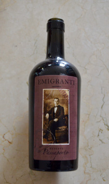 Emigranti Passporto full body reserve red wine.