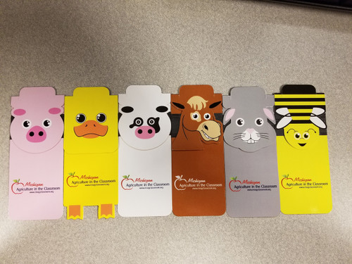 5 each of pig, duck, cow, horse, rabbit, and bee complete the set of farm animal bookmarks