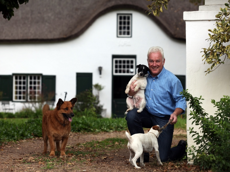 ken-forrester-with-dogs-800x598-.jpg