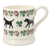1/2 pint Sponged Labrador and Clover Mug