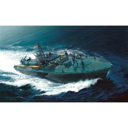 ITALERI Elco '80 Torpedo Boat Pt-596 PRM Edition 5602 1:35 Ship Model Kit