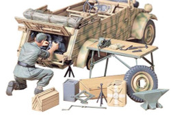 TAMIYA 35220 Kubelwagen Engine Maintenance Set 1:35 Military Model Kit