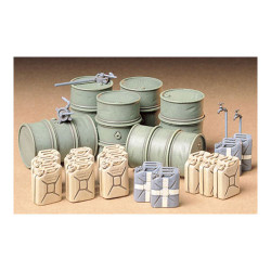 TAMIYA 35186 German Fuel Drums 1:35 Military Model Kit