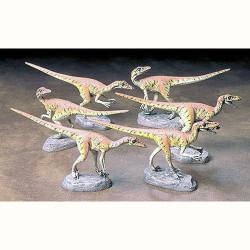 TAMIYA Dinosaurs 60105 Velociraptors Diorama Set 1:35