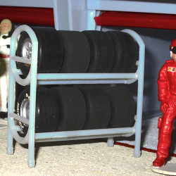 SLOT TRACK SCENICS Pit Lane Pack of 3 Tyre Racks 8 Wheels & Tyres for Scalextric