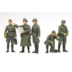 TAMIYA 35298 German Field COMMANDER 1:35 Military Model Kit Figures