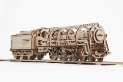 UGEARS Steam Locomotive with tender - Mechanical Wooden Model Kit 70012