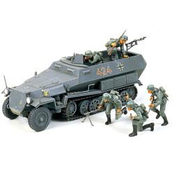 TAMIYA 35020 Hanomag Sd.Kfz. 251:1 1:35 Military Model Kit