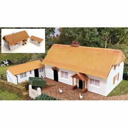 GAUGEMASTER Fordhampton Farmhouse/Holiday Cottage Plastic Kit OO Gauge GM411