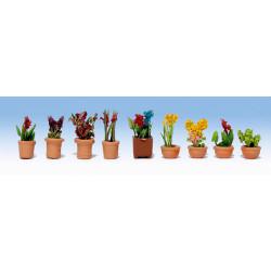 GAUGEMASTER Flowers in Pots - OO/HO Scale Set 1 (9) OO Gauge Scenics GM106