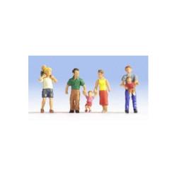 NOCH Parents (4) and Children (3) Figure Set HO Gauge Scenics 15592