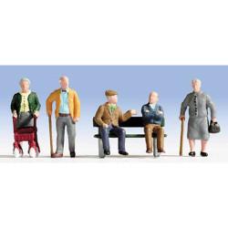 NOCH Senior Citizens (5) and Bench Figure Set HO Gauge Scenics 15551