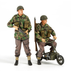 TAMIYA 35337 British Paras (2) with Welbike 1:35 Military Model Kit Figures