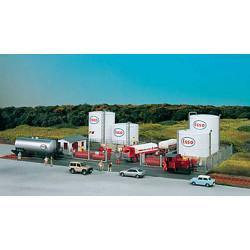 PIKO Esso Oil Depot Complex Kit HO Gauge 61141
