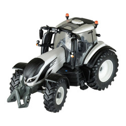 BRITAINS Valtra T4 Tractor 1:32 Diecast Farm Vehicle 43215