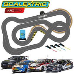 SCALEXTRIC Digital Bundle SL6 Pitlane 2020 - 4 Cars ARC PRO JadlamRacing Layout