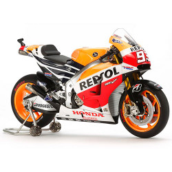 TAMIYA 14130 Repsol Honda RC213V4 1:12 Motorbike Model Kit