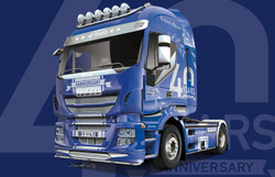 ITALERI Iveco Hi-Way 40th Iveco Anniv 1:24 Truck Model Kit 3919