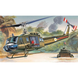 ITALERI UH-1D Slick Helicopter 1247 1:72 Aircraft Model Kit