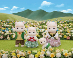 SYLVANIAN Families Woolly Alpaca Family Figures 5358
