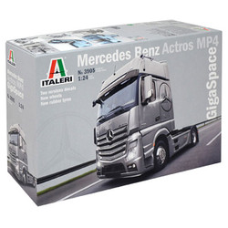 ITALERI Mercedes Actros MP4 Gigaspace 3905 1:24 Truck Model Kit