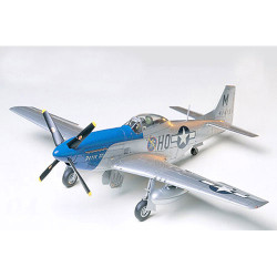 TAMIYA 61040 N.A.P-51d Mustang 8th AF 1:48 Aircraft Model Kit