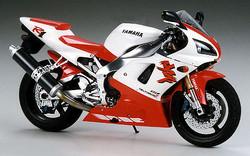 TAMIYA 14073 Yamaha YZF-R1 1:12 Motorbike Model Kit