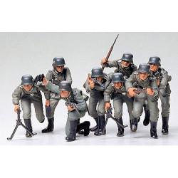 TAMIYA 35030 German Assault Troops 1:35 Military Model Kit Figures