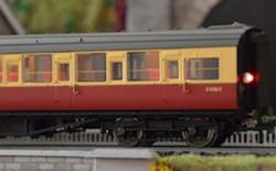 Train Tech Automatic Coach Lighting - Warm White/Flashing Tail N Gauge TTCN26