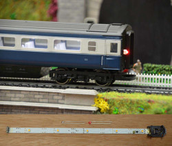 Train Tech Automatic Coach Lighting - Warm White/Flashing Tail HO/OO Gauge