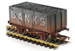 Dapol 8 Plank Wagon Banks 352 Weathered OO Gauge DA4F-080-125