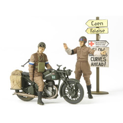 TAMIYA 35316 BSA M20 Motorcycle w Mil Police 1:35 Military Model Kit