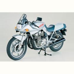 TAMIYA 16025 Suzuki GSX1100S Katana 1:6 Motorbike Model Kit