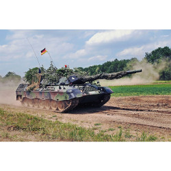 Revell 03320 Leopard 1A5 1:35 Model Kit