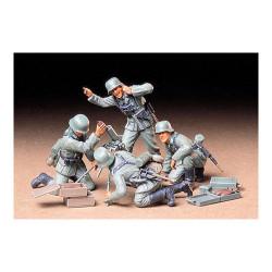 TAMIYA 35193 German Infantry Mortar Team 1:35 Military Model Kit Figures