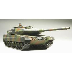 TAMIYA 35271 Leopard 2 A6 Main Battle Tank 1:35 Military Model Kit